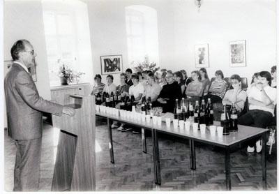 1984: Bürgermeister Hans Wolf begrüßt die 1. Schülergruppe aus Marcillat