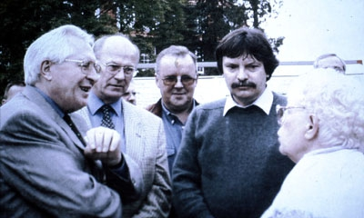1998 : Der damalige Ministerpräsident des Landes Thüringen, Dr. Bernhard Vogel, besucht das Boule-Turnier des DFF
