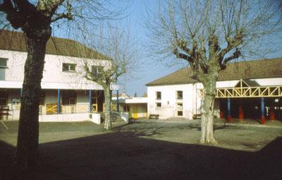 Schulhof des Collège