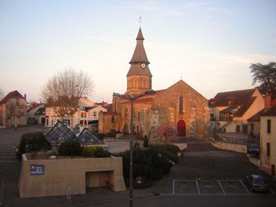 Marktplatz mit Kirche