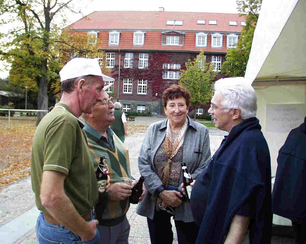 """Bürgermeister De Pin im Gespräch mit seiner """"Mannschaft"""""""